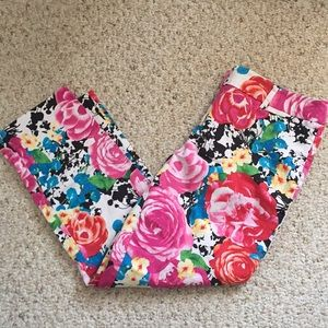NY&Co Floral Capris